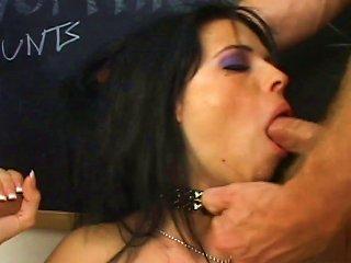 Hot Schoolgirl Is Having Threesome Fuck